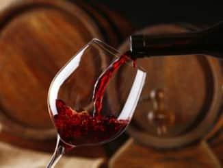 Diese Flasche Rotwein wurde ohne Korkenzieher geöffnet