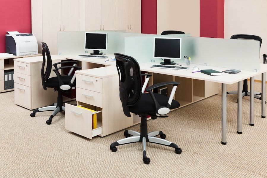 Den Teppich sollte man mit einer Bürostuhlunterlage schonen