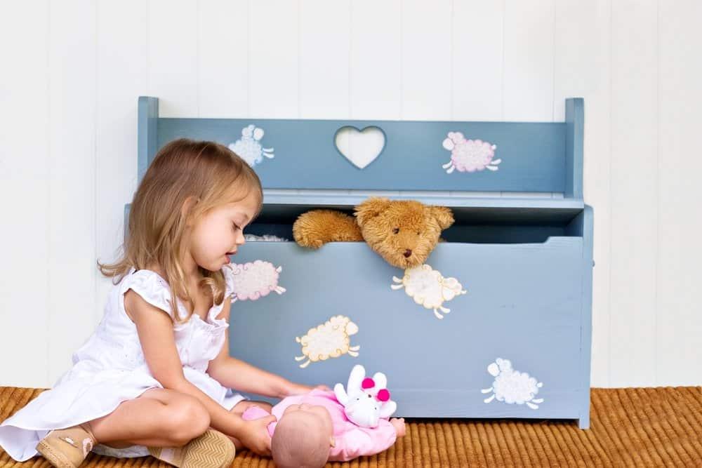 Betttruhe im Kinderzimmer