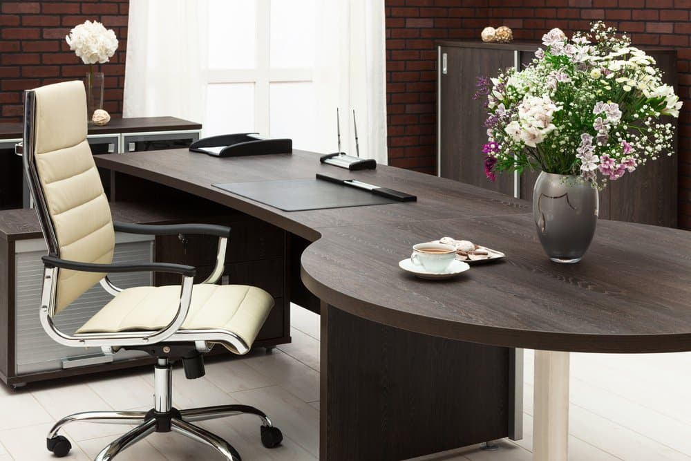 Schreibtischstuhl ohne Bodenschutzmatte