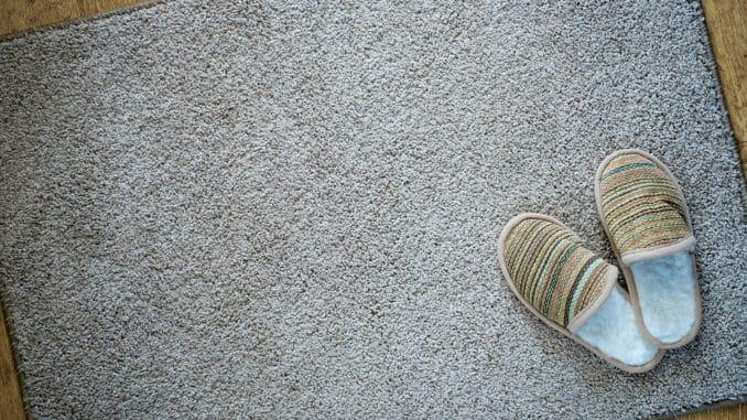 Ein Schmutzfangteppich findet sich in vielen Haushalten