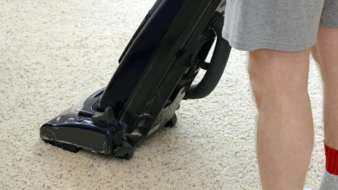 Ein Teppichkehrer im Einsatz
