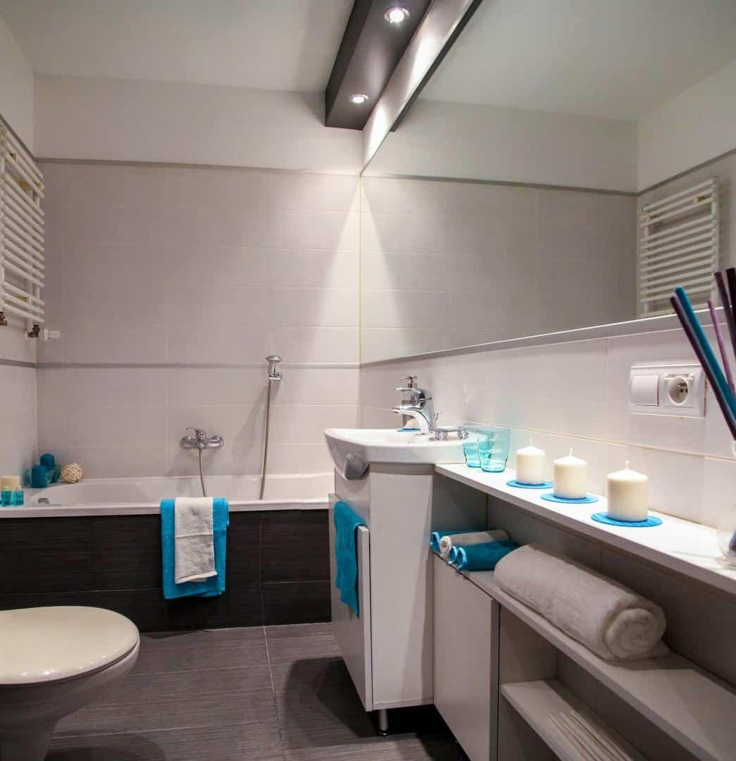 Badezimmer stilvoll eingerichtet
